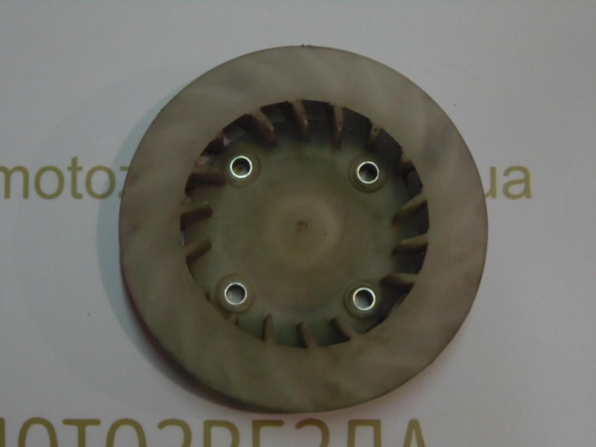 Крыльчатка генератора на четыре отверстия Honda